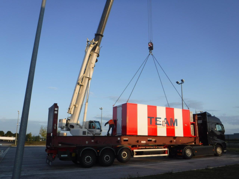 Loading of a container onto a TEAM delivery truck in Equatorial Guinea